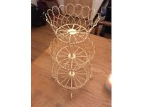 Cream wire cup cake stand - Great for weddings/general house use