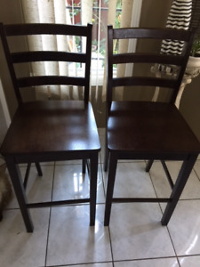 Set of four very nice wooden chair