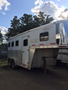 2012 Exiss 3-horse Slant Trailer For Sale