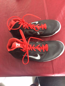 Basketball Shoes Size 10