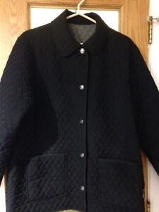 LONDON FOG- Women's Reversible Quilted jacket(L)