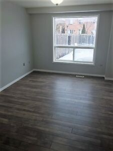 3 BEDROOM TOWNHOME NEAR COLLEGE/HOSPITAL
