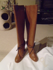 NEW IN BOX AUTHENTIC LIMITED EDITION CHLOE PYTHON BOOTS