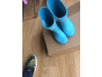 Light blue Hunter wellies size 7