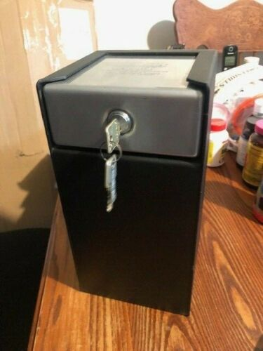 Verticle Safe Deposit Box:  Permavault PV 100-M