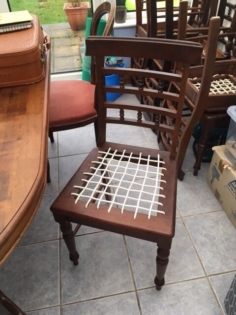 Wood chairs for salein SurreyGumtree - Wood chairs for sale, 6 of them with replacement cord if needed. Great condition