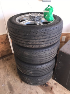 Hankook 235/55R17 Tires on Cadillac Rims **REDUCED**