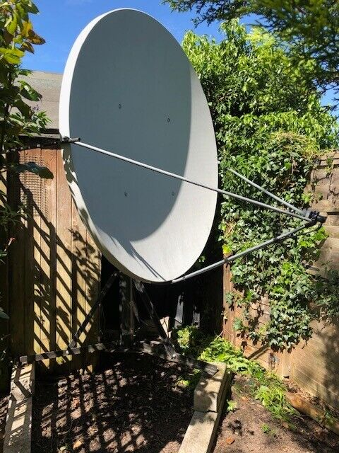 Channel Master 1 8M satellite dish & LNB & Dr HD Sat reciever  | in West  Bridgford, Nottinghamshire | Gumtree