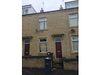 *** 4 BEDROOM TERRACE BD5 *** 131 ROUND STREET