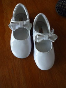3 pairs girls shoes