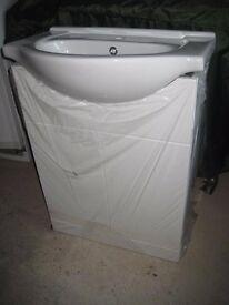 650mm Ceramic Basin and White Gloss Unit - Brand New - Never Used