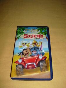 Stitch ! Le film VHS Disney - France - État : Bon état: Objet ayant déj servi, mais qui est toujours en bon état. Le botier ou la pochette peut présenter des dommages mineurs, comme des éraflures, des rayures ou des fissures. Pour les CD, le livret et le texte arrire du botier s - France
