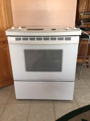 KITCHEN AID SUPERBA SLIDE IN - COOKTOP/CONVECTION OVEN - 30 INCHES WIDE - WHITE.