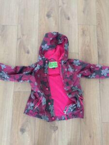Manteau printemps fillette (Peluche & Tartine) 4Y - 15$