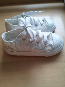 Converse Girls Toddler Shoes Size 5