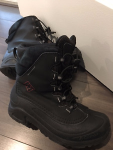 Waterproof Columbia winter boots for boys