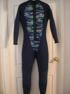 Ladies 5mm Reversible Wet Suit