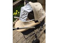 Uppababy Vista Travel System in Lindsey Wheat - Great condition