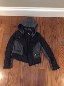 SIZE 8 GIRLS  JACKET WITH REMOVABLE HOOD: