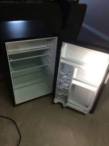 SELLING STAINLESS STEEL BAR FRIDGE. 100$ !! need gone ASAP