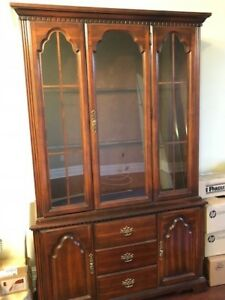 China Cabinet - Buffet Hutch