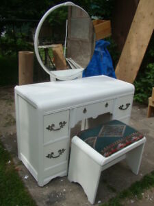 White vanity makeup dresser with mirror and bench (just reduced)
