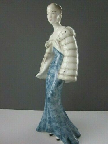 Rare Goldscheider Elegant Art Deco Woman Figurine in Fine Porcelain