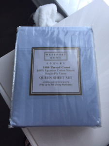 Brand new 1000  thread count Egyptian cotton queen sheet set