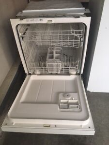 DISHWASHER FOR SALE     GREAT CONDITION
