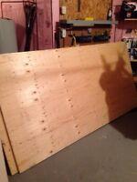 2 planches de plywood