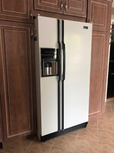 Maytag Side by Side with Water/Ice Dispenser