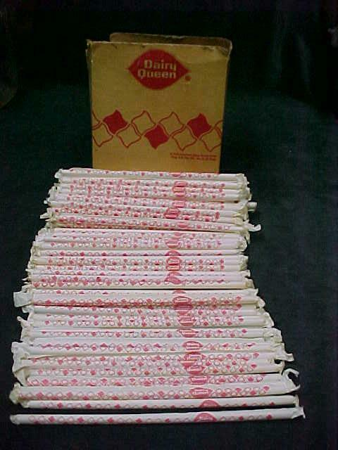 100 VINTAGE DAIRY QUEEN STRAWS in PAPER WRAPPERS + ORIGINAL BOX 1972
