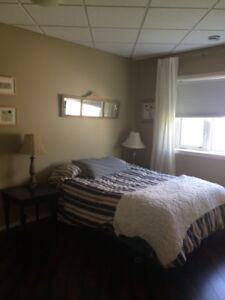 Large, bright room to rent in bright, new condo