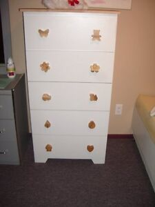 Bureau 5 tiroirs pour chambre d'enfant Saguenay Saguenay-Lac-Saint-Jean image 1