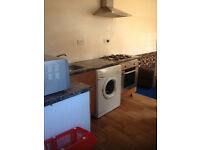 Furnished 1 bed self contained flat located behind shops on Oxford Road