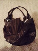 LARGE PURSE FOR SALE $35 - GREAT CONDITION