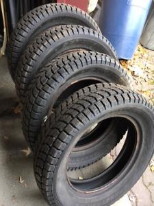 4  Dunlop Grandtrek SJ6 225/60/17