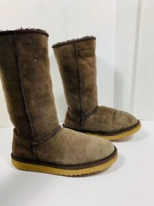 *UGG - bottes authentique - femme taille 8 US*