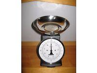 Typhoon kitchen scales