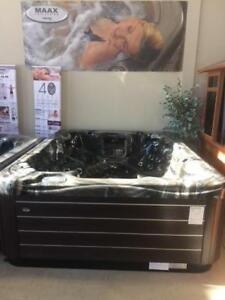 2017 FLOOR MODEL CLEARANCE - MAAX 811 HOT TUB - ONLY 1 LEFT AT THIS PRICE
