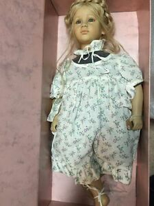 COLLECTABLE DOLLS North Shore Greater Vancouver Area image 1
