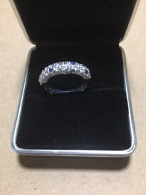 Beautiful 18ct White Gold, Diamond Set (1.26cts) Half Eternity Ring - RRP £2450
