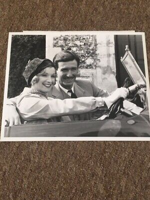 James Warwick & Cheryl Campbell - rare 1981 press photo - Agatha Christie