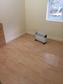 Doubel room to let near stratford