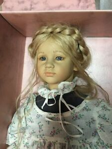 COLLECTABLE DOLLS North Shore Greater Vancouver Area image 2