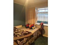 Large double room available to share in a house