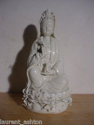 Blanc De Chine Chinese Porcelain Statue Guanyin Kwanyin Quanyin Qing / 20th Cent