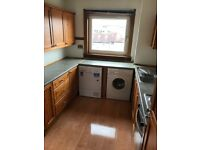 Unfurnished 2 Bedroom Flat to rent - Ross Place, Rutherglen, G73 5HB