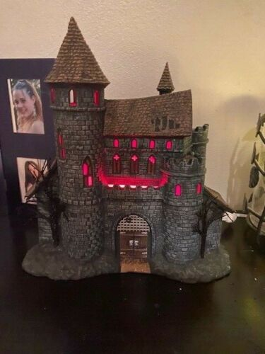Department 56 Snow Village Halloween Dracula's Castle  Retired  Pre Owned