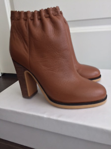 Women's leather boots BRAND NEW_AMAZING DEAL_DESIGNER